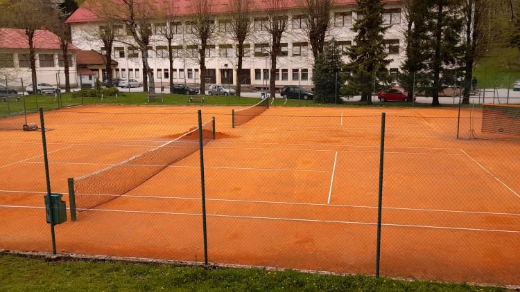 Zaigrajte tenis u svibnju uz našu ponudu 1+1 gratis